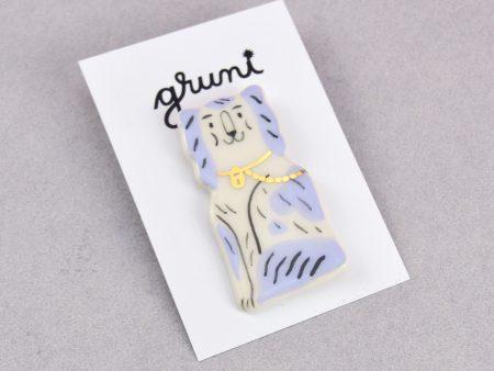 Broșă Cocker Spaniel ceramică modelată și pictată manual, cu detalii aurite. Pin alamă. Pentru haine mai grosuțe. Inspirat de figurinele Staffordshire.