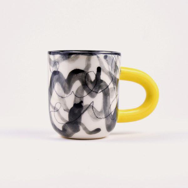 Cană / Linia de desen / pentru cafea sau ceai, din ceramică pictată manual. 11 cm înălțime. Diametru 8 cm. Design unicat Gruni.
